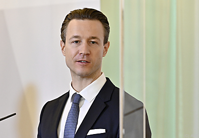 Finanzminister Gernot Blümel bilanziert  CoronaBKA2020  - Wien, APA