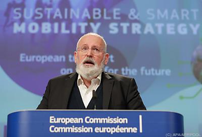 Timmermans stellte die Pläne vorn  - Brussels, APA/AFP/POOL