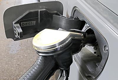 Treibstoffe im November billiger als vor einem Jahr  - Wien, APA