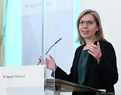 Umweltministerin: Nehmen Vorreiterrolle ein  - Wien, APA (Fohringer)