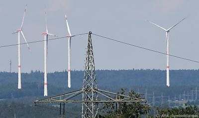 Es wird überschüssiger Strom aus Solar- und Windenergie verwendet  - Stuttgart, APA (Symbolbild/dpa)