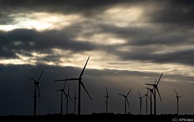 Schweizer bekennen sich zu neuem Energieweg  - Struckum, APA/dpa