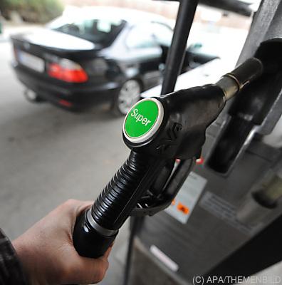 Treibstoffpreise sind im April gestiegen  - Stockerau, APA/THEMENBILD