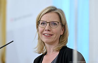 Umweltministerin Leonore Gewessler  - Wien, APA/HERBERT NEUBAUER