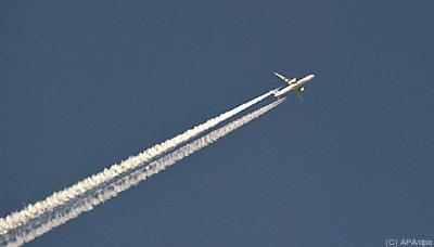 Steuer auf Flugzeugsprit soll angepasst werden  - Frankfurt/Main, APA/dpa