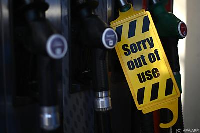 Den Tankstellen geht der Kraftstoff aus  - London, APA/AFP