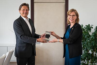 Wolfgang Anzengruber mit Klimaschutzministerin Leonore Gewessler  - Wien, APA