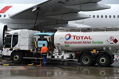 Gemisch aus Kerosin und 16 Prozent Biokraftstoff  - Roissy-Charles de Gaulle airport, APA/AFP