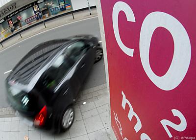 Steuerreform könnte Autofahren teurer machen  - Hannover, APA/dpa