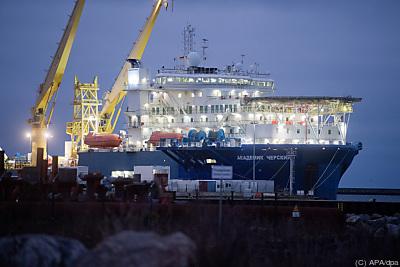 """Russisches Verlegeschiff """"Akademik Tscherski"""" vor der Insel Rügen  - Sassnitz-Mukran, APA/dpa"""
