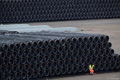 Pipelinerohre warten auf ihre Verschiffung  - Sassnitz-Mukran, APA/dpa