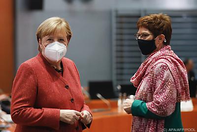 Angela Merkel und Annegret Kramp-Karrenbauer  - Berlin, APA/AFP/POOL