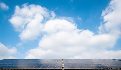 Investitionen in Erneubare Energien stehen bei Ökofonds hoch im Kurs  - Hannover, APA/dpa