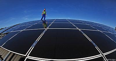 Dachflächen über 220 Quadratmeter oder 0,7 Prozent der Freiflächen würden genügen  - Gräfinau-Angstedt, APA/dpa