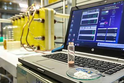 Forscher machten Redox-Flow-Batterien umweltfreundlicher  - Graz, Lunghammer - TU Graz