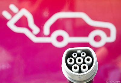 Energieversorger, Autokonzerne und Start-ups buhlen um den neuen Markt  - Hannover, APA (dpa)