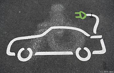 Größter Wunsch bei E-Mobilität: Bezahlen nach kWh  - Frankfurt/Main, APA (dpa)