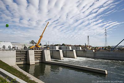 Wasserkraft erbringt mehr Strom als alle anderen Erneuerbaren zusammen  - Graz, APA/ERWIN SCHERIAU