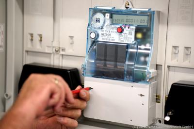 Smart Meter wird eingebaut - Linz, APA/Netz Oberösterreich GmbH